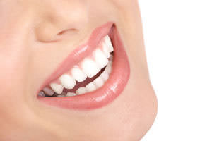 Through the use of a custom-made delivery system and the latest in teeth-whitening technology, you can have whiter and brighter teeth.
